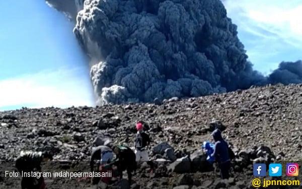 Video detik detik gunung marapi meletus daerah jpnn video detik detik gunung marapi meletus jpnn stopboris Choice Image