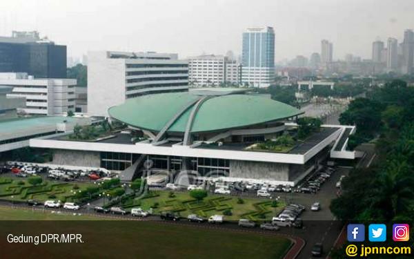 Gedung Nusantara II DPR Terbakar, Untung Ada Pamdal... - JPNN.com