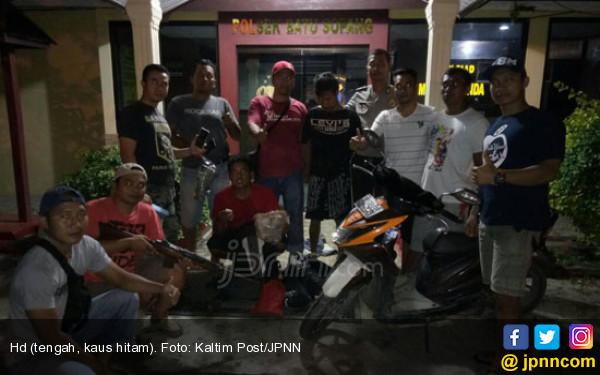 Masuk Masjid Bukannya Salat Malah Ngembat - JPNN.com