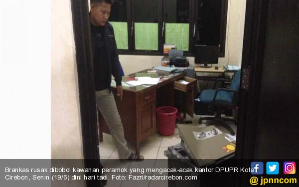 Rampok Beraksi di Kantor Dinas PU, Brankas Dibongkar, Dua Satpam Disekap - JPNN.com