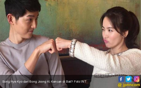 Song Hye Kyo dan Song Joong Ki Kencan di Bali? - JPNN.com