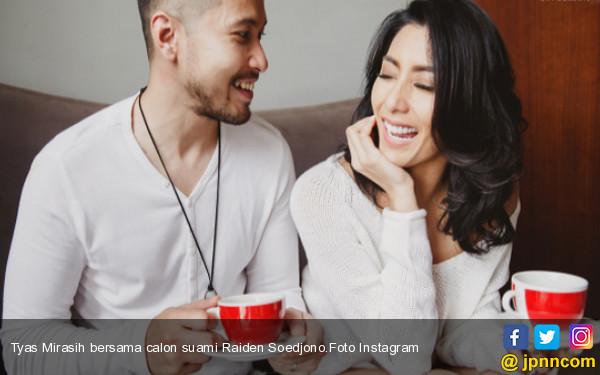 Tyas Mirasih Marah, Tanggal Pernikahannya Bocor - JPNN.COM