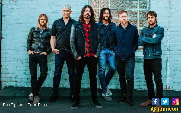 Foo Fighters Kembali Menggebrak dengan Album Megah 'Concrete And Gold' - JPNN.COM
