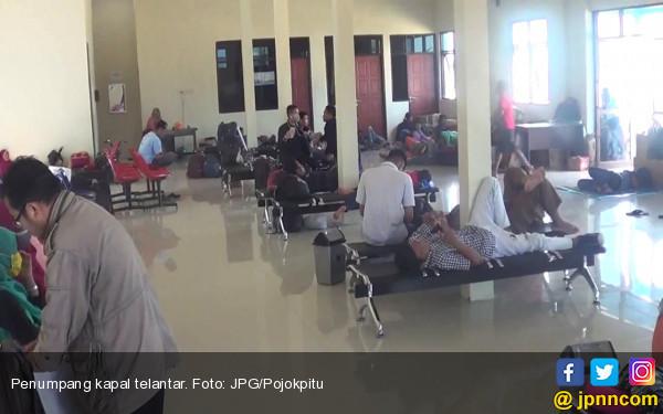 Kapal Mudik Gratis Rusak, Penumpang Telantar - JPNN.COM