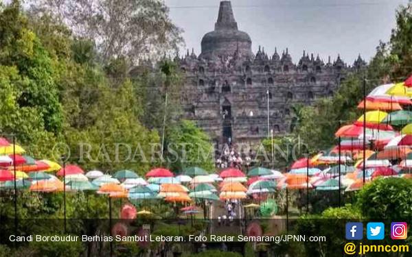 Candi Borobudur Berhias Sambut Lebaran - JPNN.com