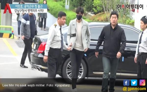 Lee Min Ho Ikut Wajib Militer, Tapi Kok Gayanya Begini? - JPNN.COM