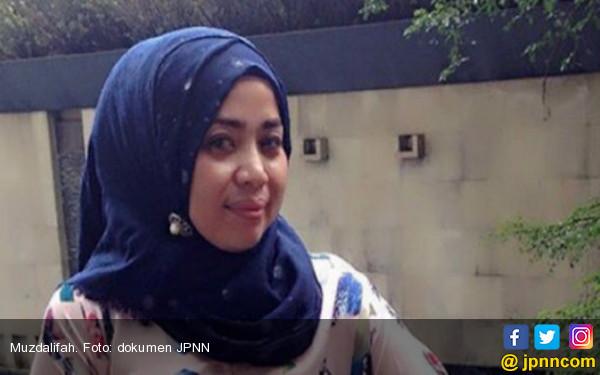Muzdalifah Resmi Gugat Cerai Suami Ketiga - JPNN.COM
