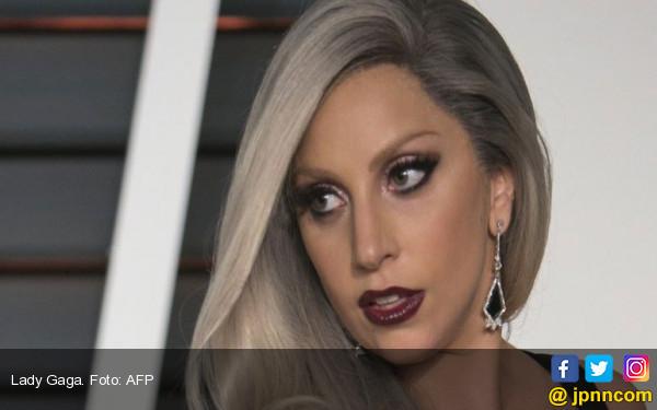 Lady Gaga Buka-bukaan Soal Penyakitnya di Film Dokumenter - JPNN.COM