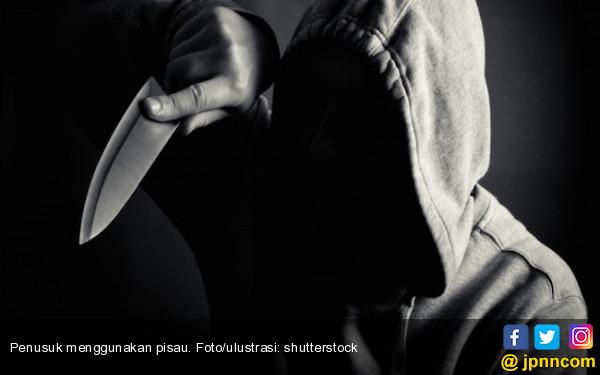 Ditusuk Sendiri, Perut Dodoi Robek - JPNN.com