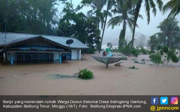 Yusril Terjebak Banjir Besar, HTI Jadwal Ulang Uji Materi Perppu Ormas ke MK - JPNN.COM