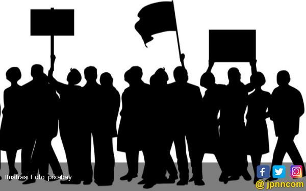 Aksi Massa di Kawasan Patung Kuda: Perppu Ormas Jalan Pintas Rezim Diktator - JPNN.COM