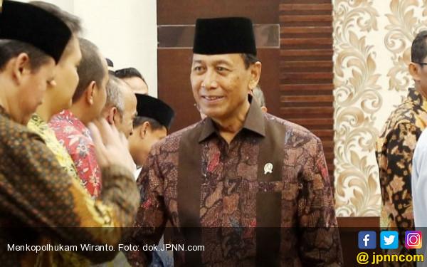 Massa Tolak Perppu Ormas, Tidak Ingin Bertemu Jokowi dan Wiranto - JPNN.COM