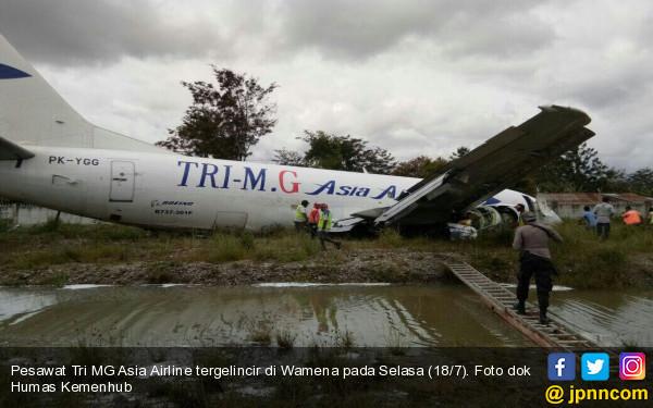 Pesawat Tri MG Asia Airline Tergelincir di Wamena - JPNN.COM