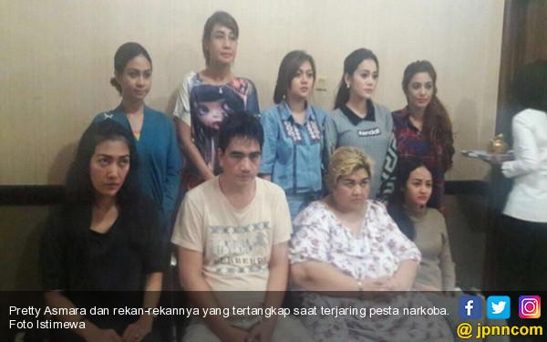 Lihat nih, Wajah Kusut Para Artis yang Terjaring Narkoba Bersama Pretty Asmara - JPNN.COM