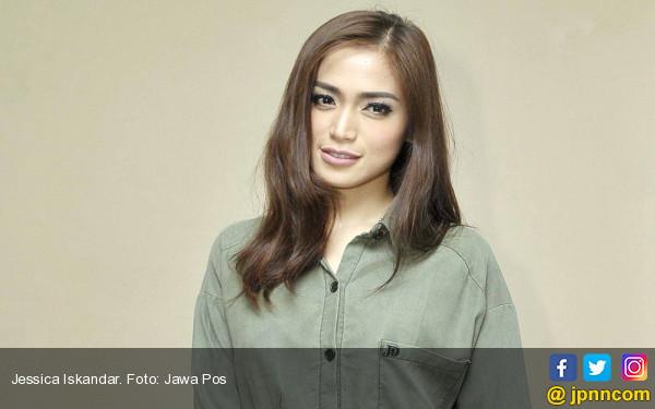 Kelelahan Bekerja, Jessica Iskandar Masuk UGD - JPNN.COM