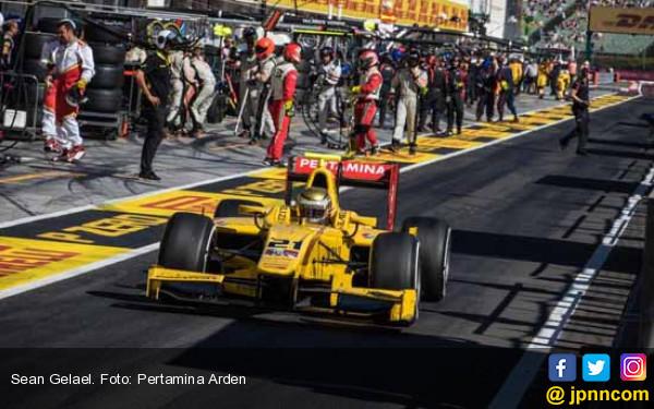 Sean Gelael Jadi Test Driver Toro Rosso - JPNN.com