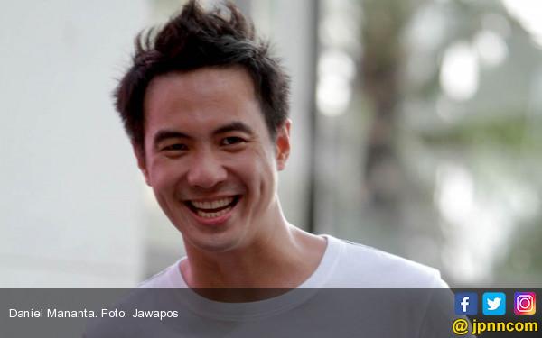 Daniel Tutupi Istri Bulenya, Ari Lasso: Kamu Gak Bahagia? - JPNN.COM