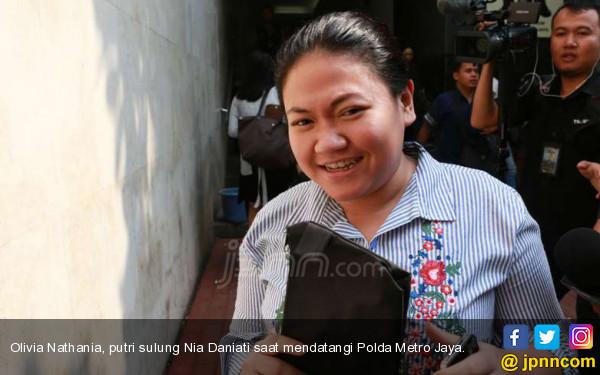 Konon Putri Nia Daniaty Tipu Ratusan CPNS, Sebegini Kerugiannya - JPNN.com