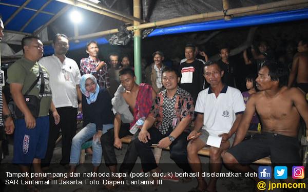 Tim SAR TNI AL Berhasil Selamatkan Penumpang Kapal Tenggelam - JPNN.com