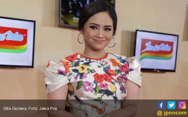 Gita Gutawa Jadi Mentor Penyanyi Cilik - JPNN.com