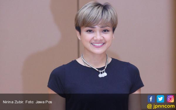 Nirina Paksa Anak Berolahraga dan Sarapan Bersama - JPNN.COM