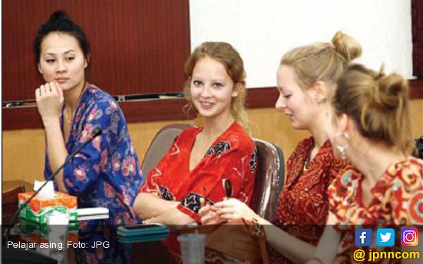 Pelajar Asing Juga Wajib Terima Pendidikan Kewarganegaraan - JPNN.COM