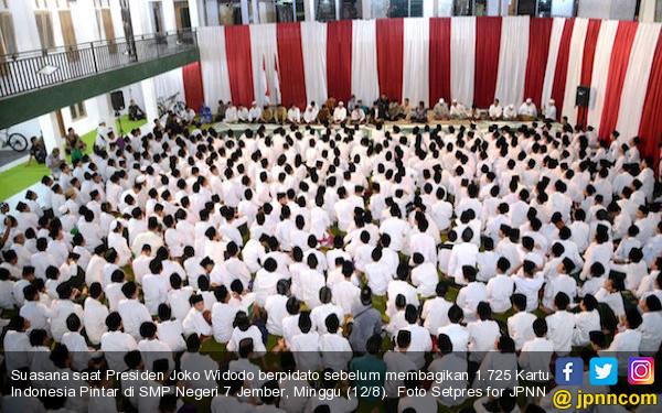 Jokowi Kembali Tegaskan Tak Ada Keharusan Sekolah Terapkan Full Day School - JPNN.COM
