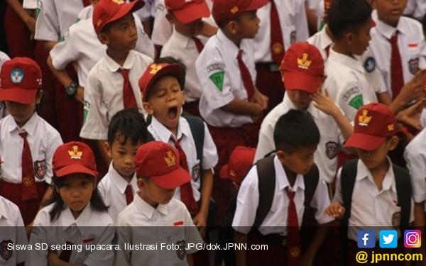 Pembentukan Karakter Dimulai dari Upacara Bendera - JPNN.COM