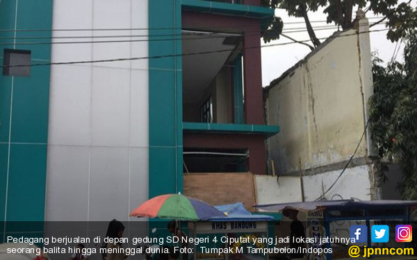 Balita Jatuh dari Lantai III Gedung SD Itu Meninggal Dunia - JPNN.COM
