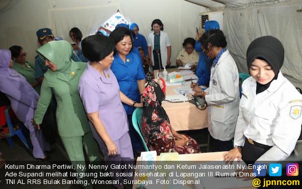 TNI AL dan Jalasenastri Sukses Gelar Bakti Sosial - JPNN.COM
