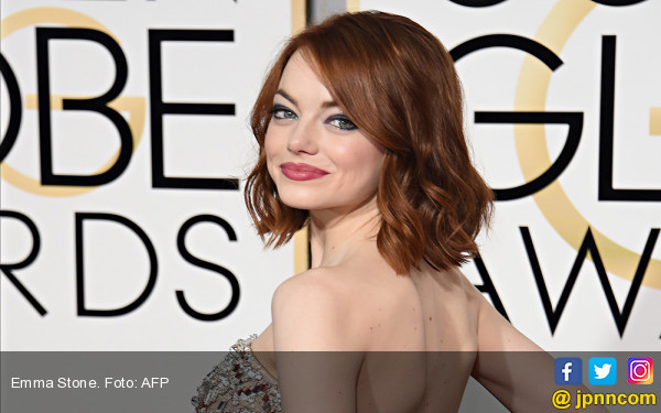 Aaaw, Emma Stone Ternyata Masih Sayang Andrew Garfield - JPNN.com