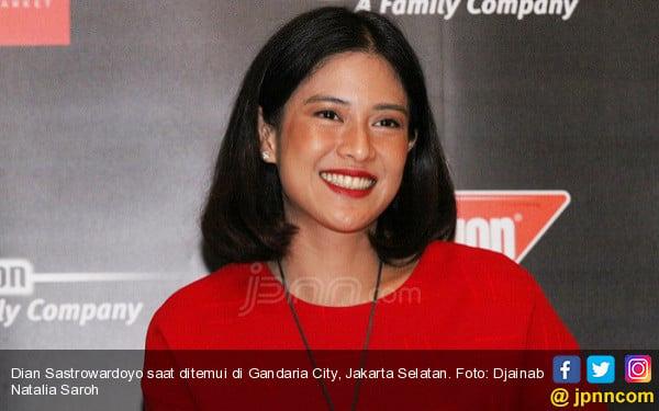 Dian Sastrowardoyo Beber Alasannya Jajal Produser Film - JPNN.com