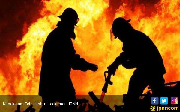 Pasar Rawa Kalong Kebakaran - JPNN.COM