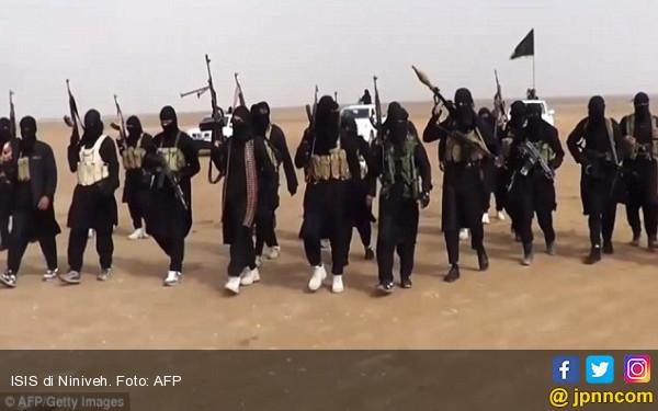 Mengerikan! ISIS Kantongi 11 Ribu Buku Paspor Suriah Asli - JPNN.COM