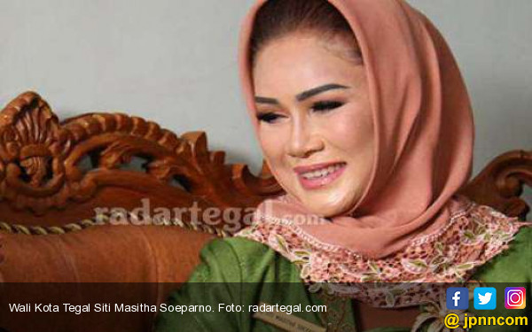 Usai Rapat, Bu Wali Kota Tegal Dijemput KPK - JPNN.com