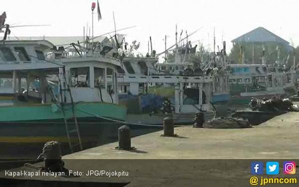 Cuaca Ekstrem, Nelayan Setop Melaut - JPNN.COM