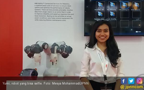 Ada YuMi, Robot yang Bisa Selfie di JIExpo - JPNN.COM