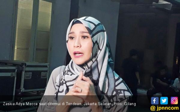 Napas Kama Bermasalah, Mohon Doanya Untuk Anak Kelima Zaskia Adya Mecca - JPNN.com