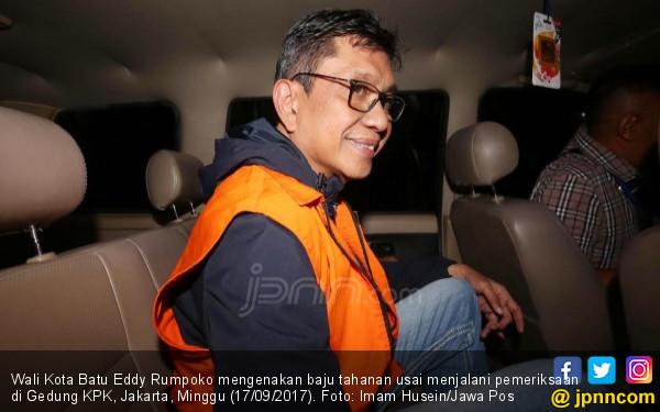 Wali Kota Batu Bantah soal Uang Rp 200 Juta, Alphard Bro! - JPNN.COM