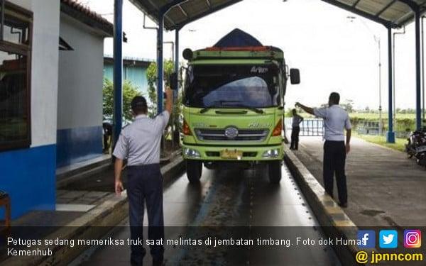 Kemenhub Optimalkan Kinerja Jembatan Timbang - JPNN.COM