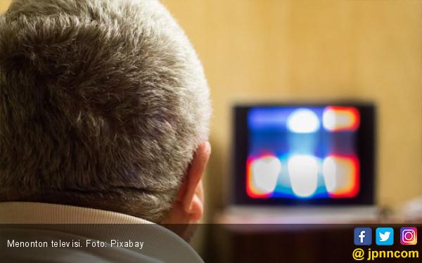 Menonton Televisi Terlalu Lama Bisa Akibatkan Penyakit Ini - JPNN.COM