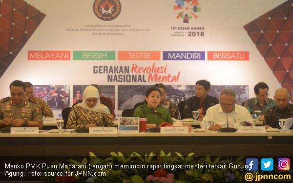 Menko PMK: Pemerintah Siap Hadapi Bencana Gunung Agung - JPNN.COM