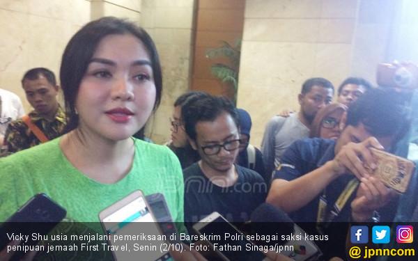 Vicky Shu Mewek Usai Jadi Saksi Kasus First Travel - JPNN.COM