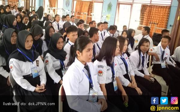 1.000 Pendaftar Mahasiswa Baru Polteknaker Ujian TPA - JPNN.COM