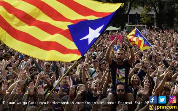 Madrid Tuduh Perwira Polisi Ikut Menghasut Warga Catalunya - JPNN.COM