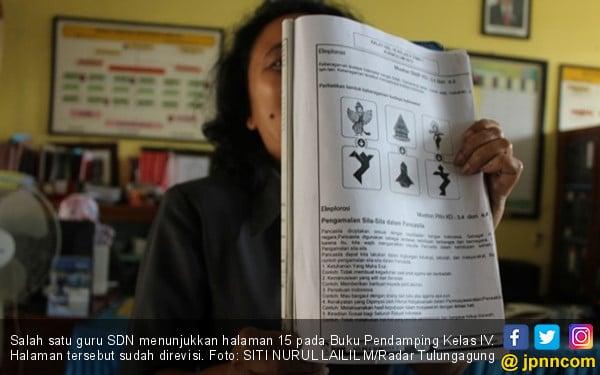 Salah Ketik Teks Pancasila di Buku Pendamping K-13 - JPNN.COM