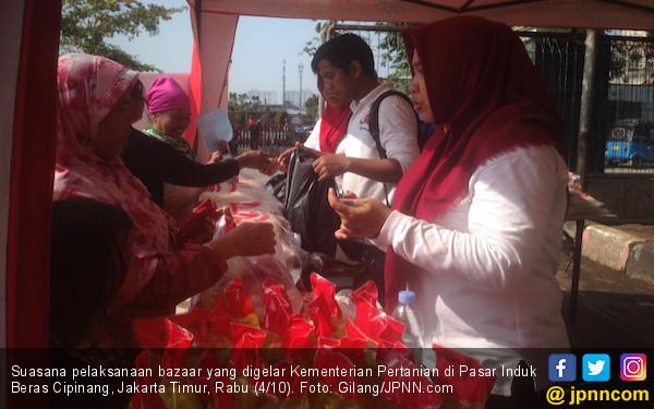 Kementan Gelar Pangan Murah di Pasar Induk Beras Cipinang - JPNN.COM