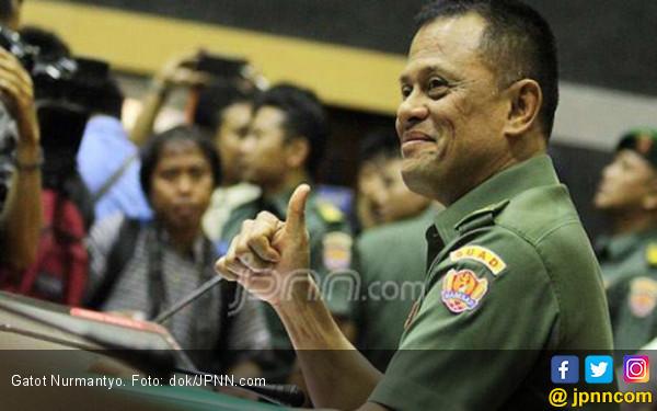 Sambil Tersenyum, Gatot Bilang Siap Bersaing dengan Jokowi - JPNN.COM