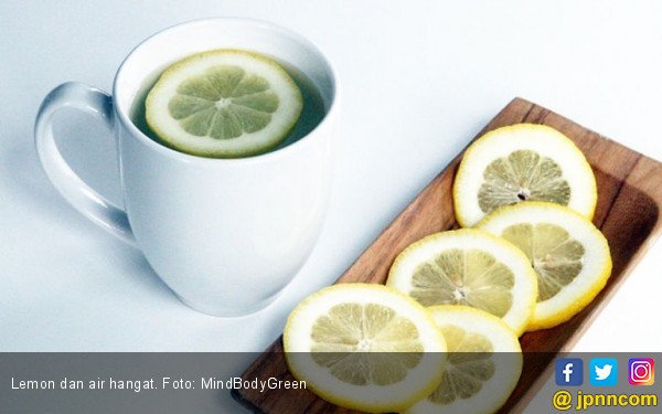 Manfaat Minum Air Panas dengan Lemon Setiap Pagi - JPNN.COM