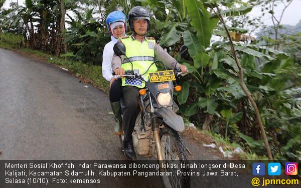 Khofifah Naik Trail Bawa Santunan untukKorban Longsor - JPNN.COM